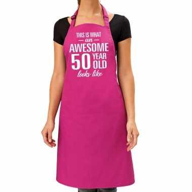 Awesome 50 year / 50 jaar cadeau bbq / keuken schort roze dames