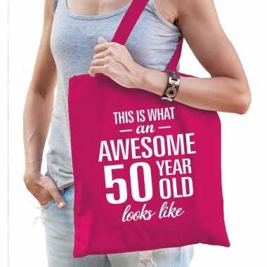 Awesome 50 year / geweldig 50 jaar cadeau tas roze voor dames