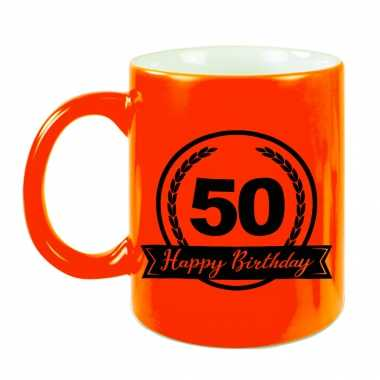 Happy birthday 50 years cadeau mok / beker neon oranje met wimpel 330 ml